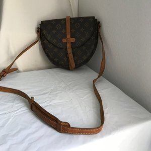Louis Vuitton Chantilly  Monogram